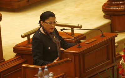 Ecaterina Andronescu_Parlament