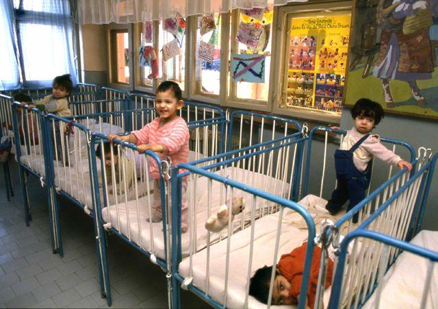 Putin susține propunerea de interzicere a adopțiilor de către americani