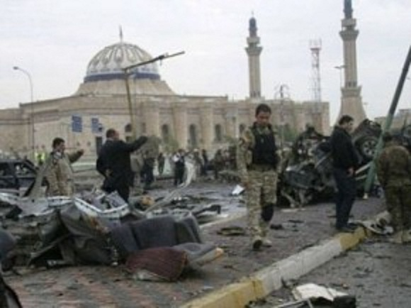 Cel puţin 25 de morţi în atentate din Irak