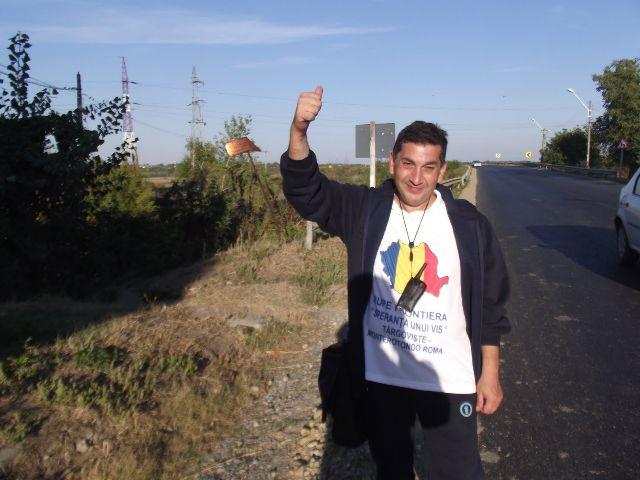 Un român a mers pe jos de la Târgoviște la Roma
