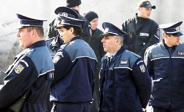 Peste 11.400 de poliţişti asigură ordinea de Revelion