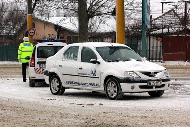 Peste 300 de şoferi, amendaţi în a doua zi de Crăciun