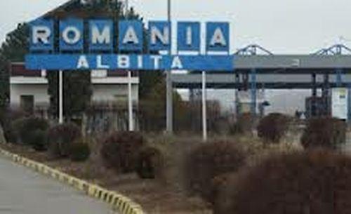 S-au format cozi la intrarea în România, la Vama Albiţa