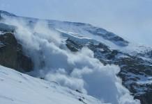 Risc de avalanşă şi zăpadă de 1,5 metri la Bâlea Lac