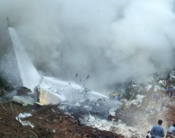 Un avion de pasageri s-a prăbușit în Kazahstan