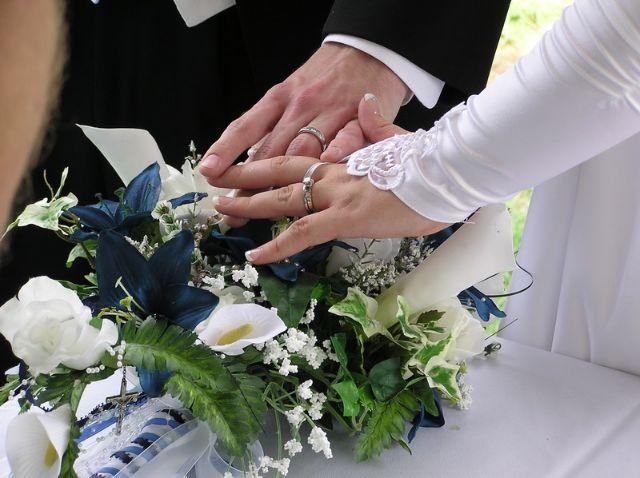 Căsătorie între un bărbat de 90 de ani și o femeie de 15 ani