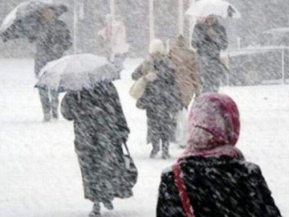Cod Galben de ninsori abundente și viscol începând de joi, ora 18.00