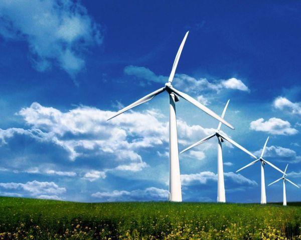 Vântul puternic a crescut producția de energie electrică din România