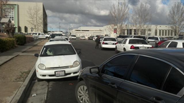 Doi răniți prin împușcare, la un liceu din California