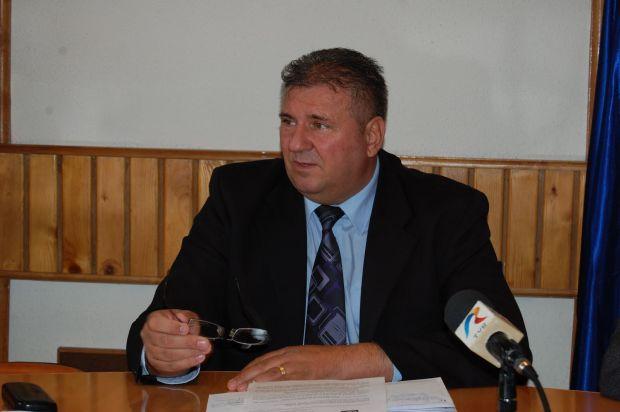 Șeful Poliției Olt profită din plin de concediul medical