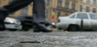 Peste 70 de bucureșteni cu traumatisme și luxații după ce au căzut pe gheață