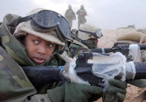 SUA: femeile pot participa la misiuni de luptă în prima linie