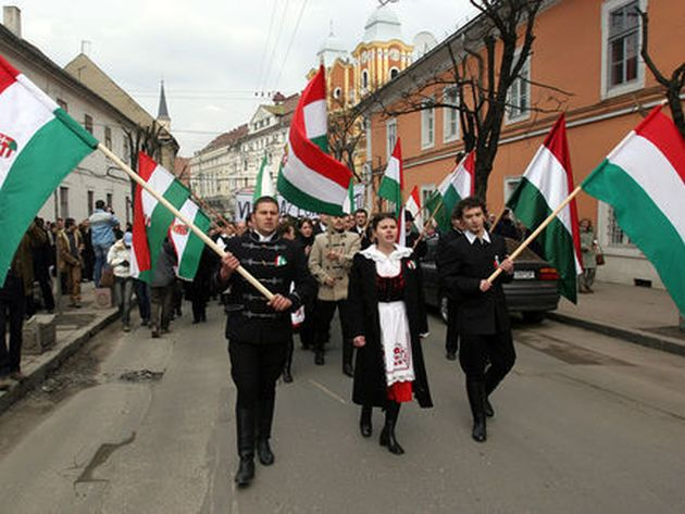 Preşedintele Consiliului Judeţean Covasna vrea steagul secuiesc pe primării