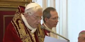 Decret emis de Papa Benedict al XVI-lea, care permite cardinalilor electori să se reunească mai devreme
