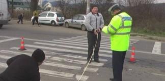 Patru persoane lovite de o mașină pe trecerea de pietoni