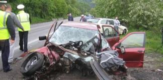 Trafic blocat pe Valea Oltului din cauza unui accident rutier