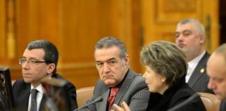 Antonescu: Becali a demisionat din PNL, va fi parlamentar independent