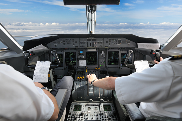 Pilot băut, arestat la Londra