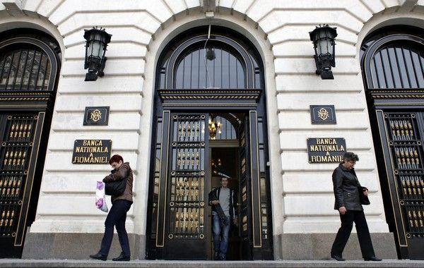 Băncile din România au disponibilizat anul trecut peste 4000 de angajați
