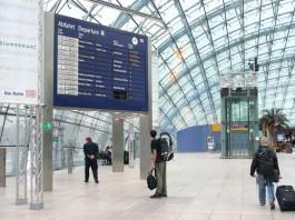 Zăpada a închis aeroportul din Frankfurt și a suspendat circulaţia trenurilor Eurostar