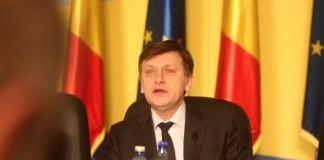 Crin Antonescu: Constituția nu e făcută după cum vrea Băsescu