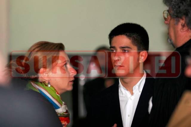 Andrei Placinta si mama sa, Sorina Placinta