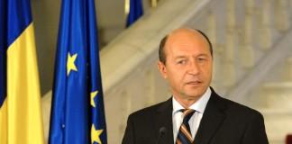 Traian Băsescu respinge statutul cadrelor militare