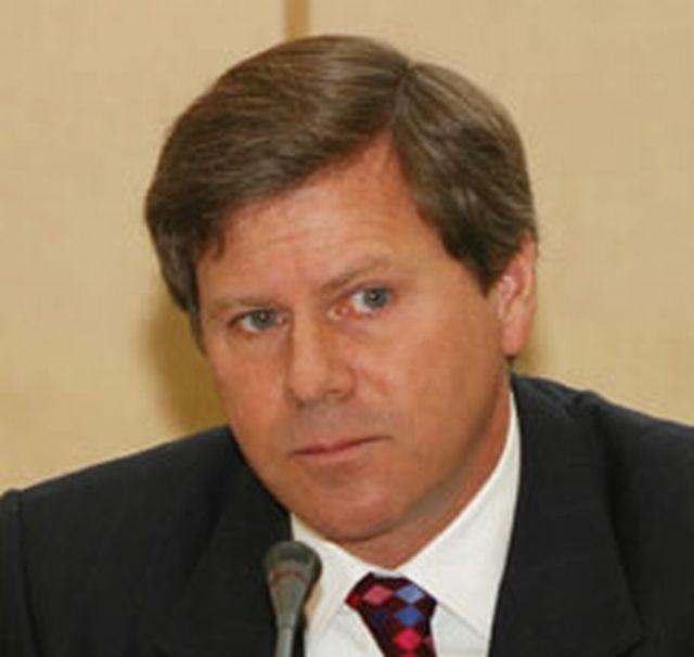 Vicepreședinte al Raiffeisen Bank: Criza din Cipru a generat mișcări pe piața bancară din România