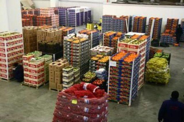 Șapte medici, cercetați penal pentru avizarea unor transporturi de legume și fructe
