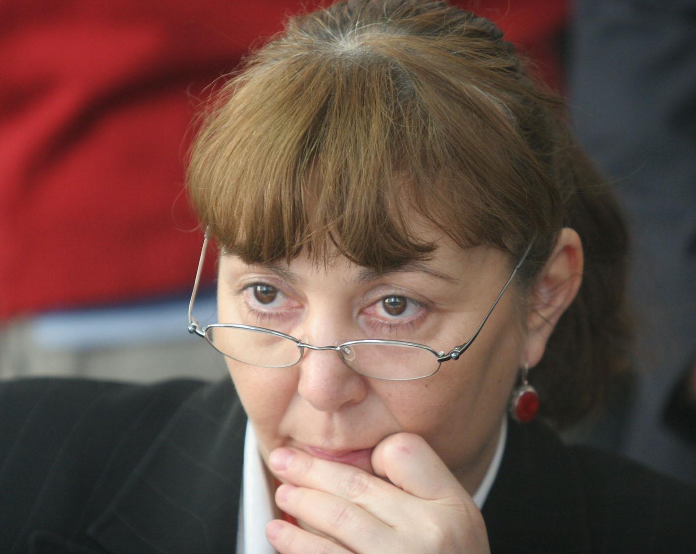Monica Macovei și-a depus moțiunea pentru șefia PDL