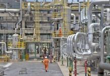 Sondaj BNR: Grupul Rompetrol afectează producția industrială din martie