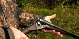 Muncitor pe fondul de vânătoare Oşand, împușcat în cap de un braconier