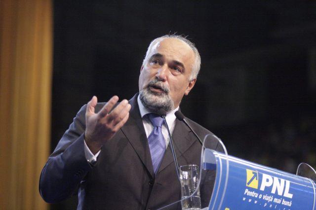Vosganian: Strategia de reindustrializare va fi gata până în toamnă. Reducerile de taxe depind de creșterea economică