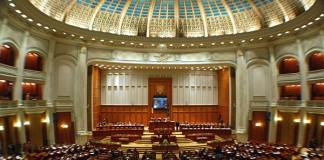 Parlament: Modificările la Statutul deputaţilor şi senatorilor cerute de CCR adoptate de plen
