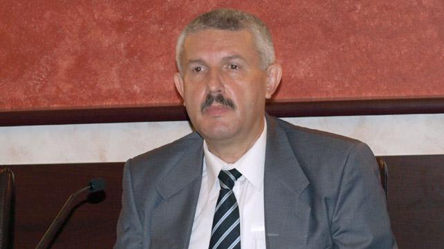 Percheziţii la primarul din Râmnicu Vâlcea, Emilian Frâncu, pentru luare de mită