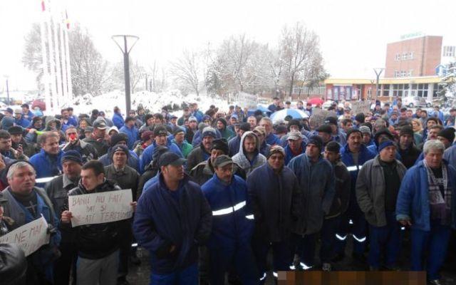 Oltchim: restanțele salariale pentru decembrie și ianuarie, virate de joi