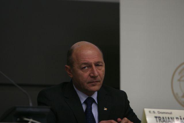 Președintele Traian Băsescu a convocat pentru miercuri o ședință CSAT
