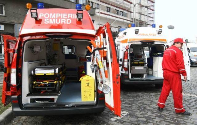 Bacău: Elevă la spital după ce a fost lovită de o mașină în curtea școlii