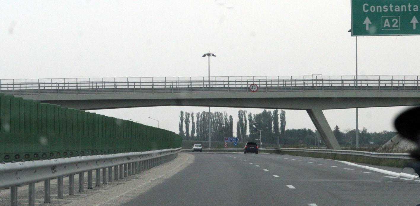 Autostrăzile din România vor fi păzite de agenți înarmați