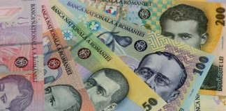 Studiu bancar: Tot mai mulți români economisesc pe termen lung
