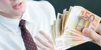 Adio, bonusuri grase pentru bancheri! Parlamentul European vrea să le limiteze de la 1 ianuarie 2014