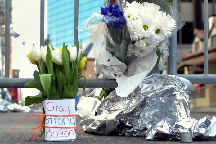 OMAGIU pentru victimele atentatului din Boston