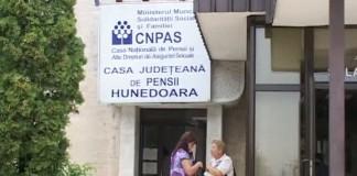 Medic de la Casa de Pensii Hunedoara, reținut pentru luare de mită