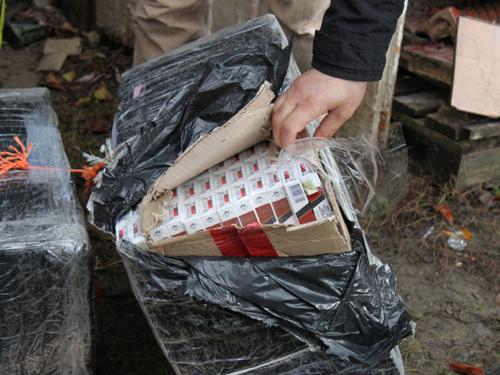Percheziții în București și Ilfov la contrabandiștii de țigări