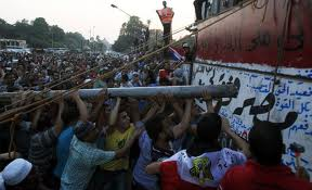 Egipt: Noi confruntări violente între creştini şi musulmani