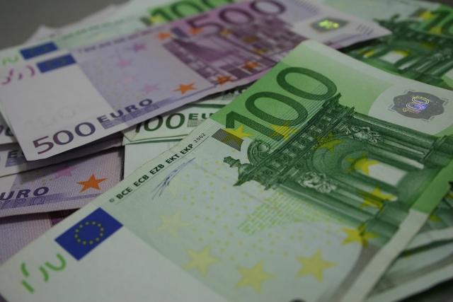 Creditarea în valută, în creștere. Populația a împrumutat peste 180 de milioane de euro în martie