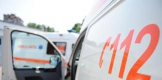 O femeie a fost înjunghiată de fostul său concubin, pe stradă