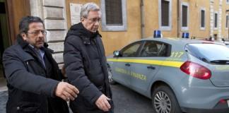 Preot italian, arestat pentru deturnarea a circa patru milioane de euro