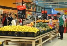 Studiu: Cumpărătorii români, neinteresați de promoții. Scumpirile au crescut numărul magazinelor vizitate