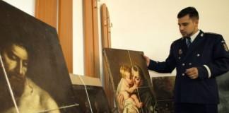 Zeci de tablouri, icoane și cărți furate din biserici italiene, recuperate din locuința unui sibian